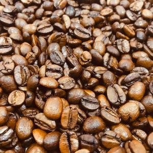 По-арабски (с кардамоном) продается молотым (тонкий помол)